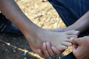 Füße berühren